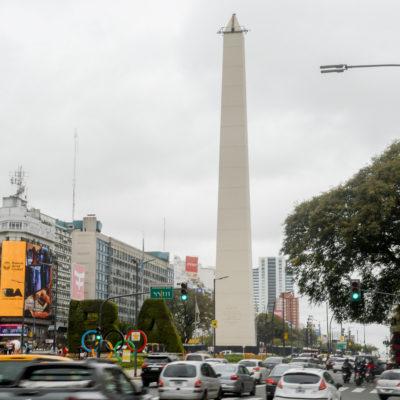 O Obelisco está se preparando para a cerimônia de abertura olímpica em Buenos Aires 2018